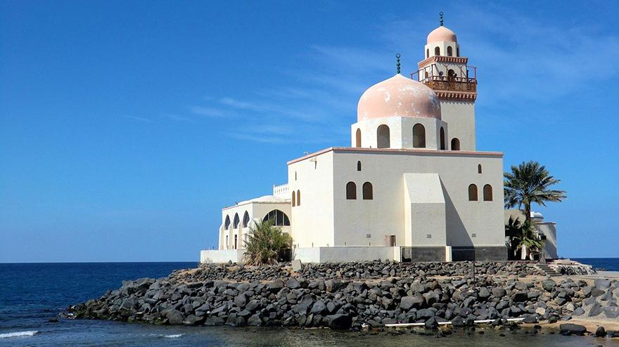 island mosque jeddah